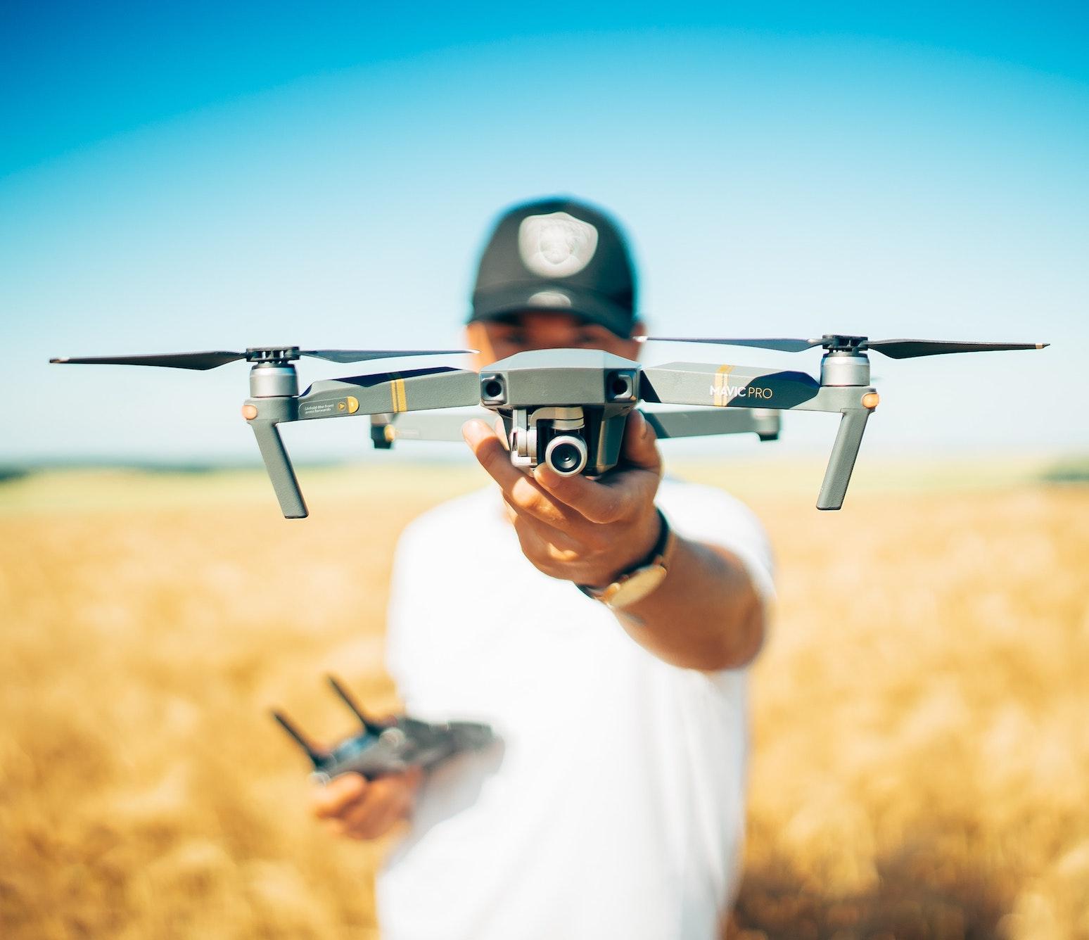 moyens techniques drone production audiovisuelle
